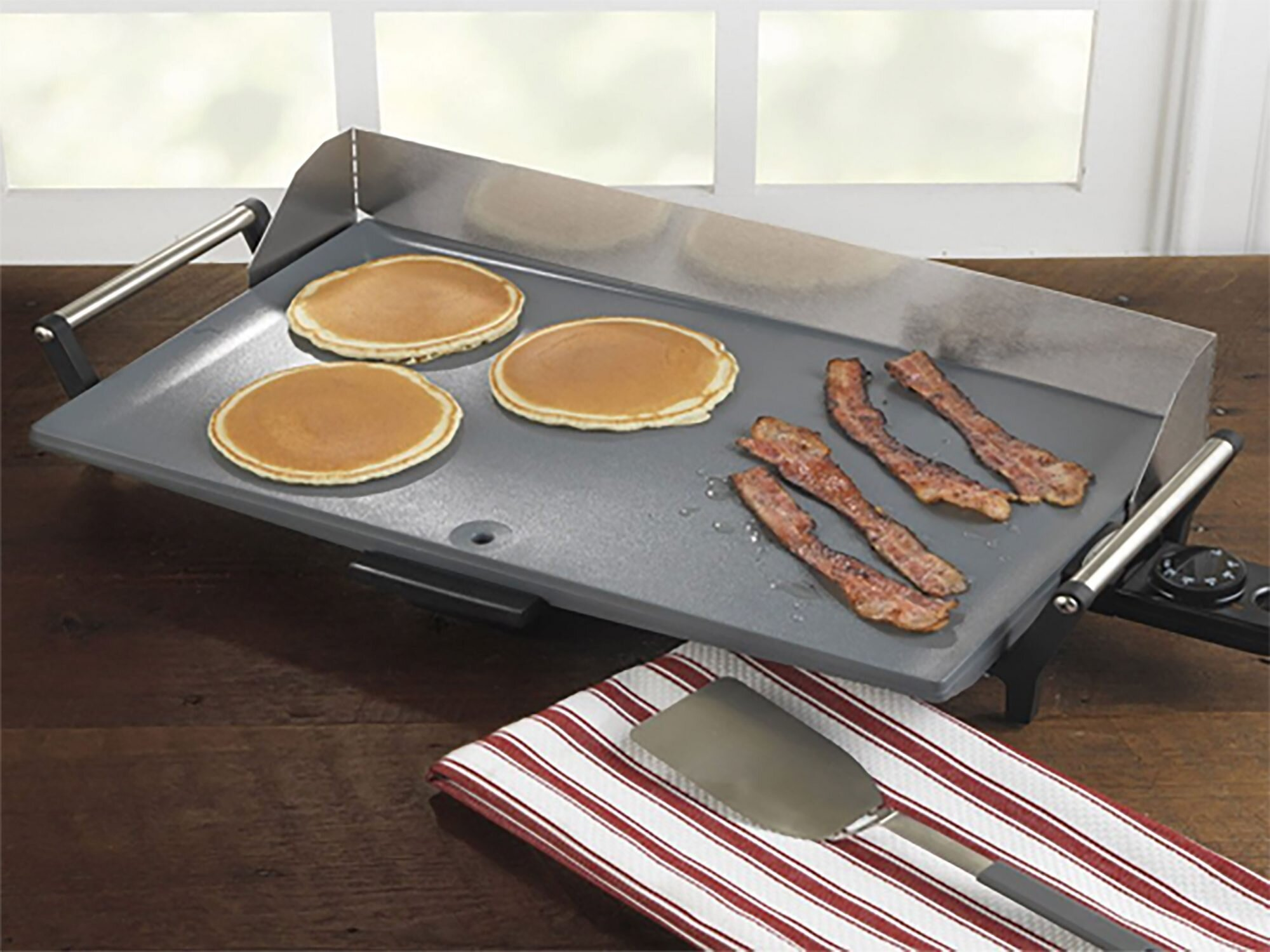 The 6 Best Electric Griddles To Buy In 2020 Allrecipes