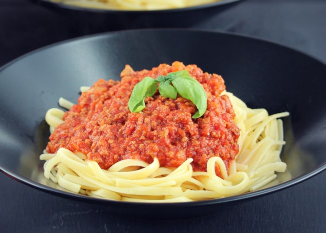Instant Pot(R) Tomato and Beef Sauce