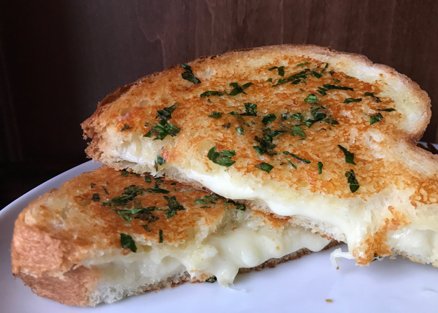 This Genius Bread Swap Takes Grilled Cheese from OK to Outstanding
