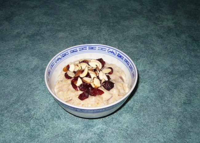 Slow Cooker Fruit, Nuts, and Spice Oatmeal