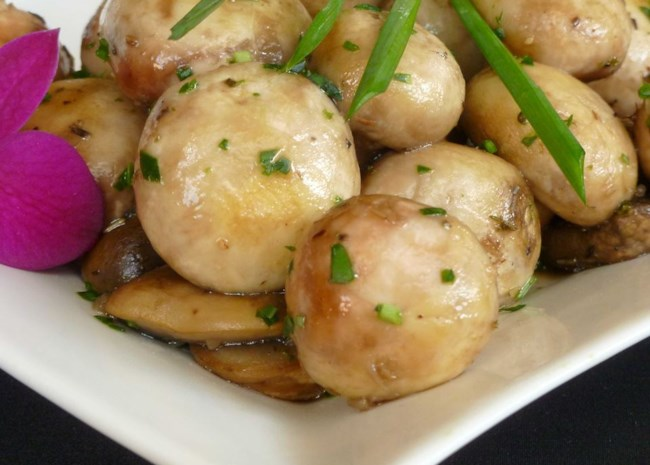 Herbed Mushrooms with White Wine