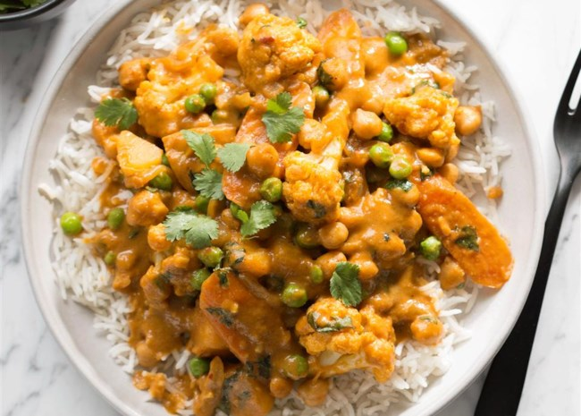chickpea curry over rice