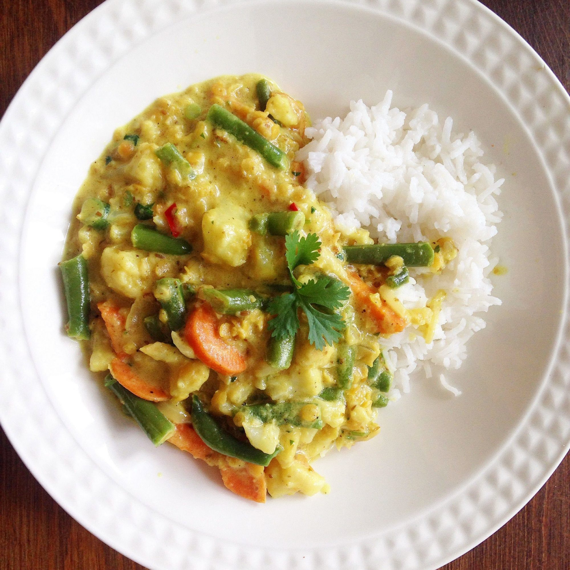 Vegan Indian Curry with Cauliflower and Lentils