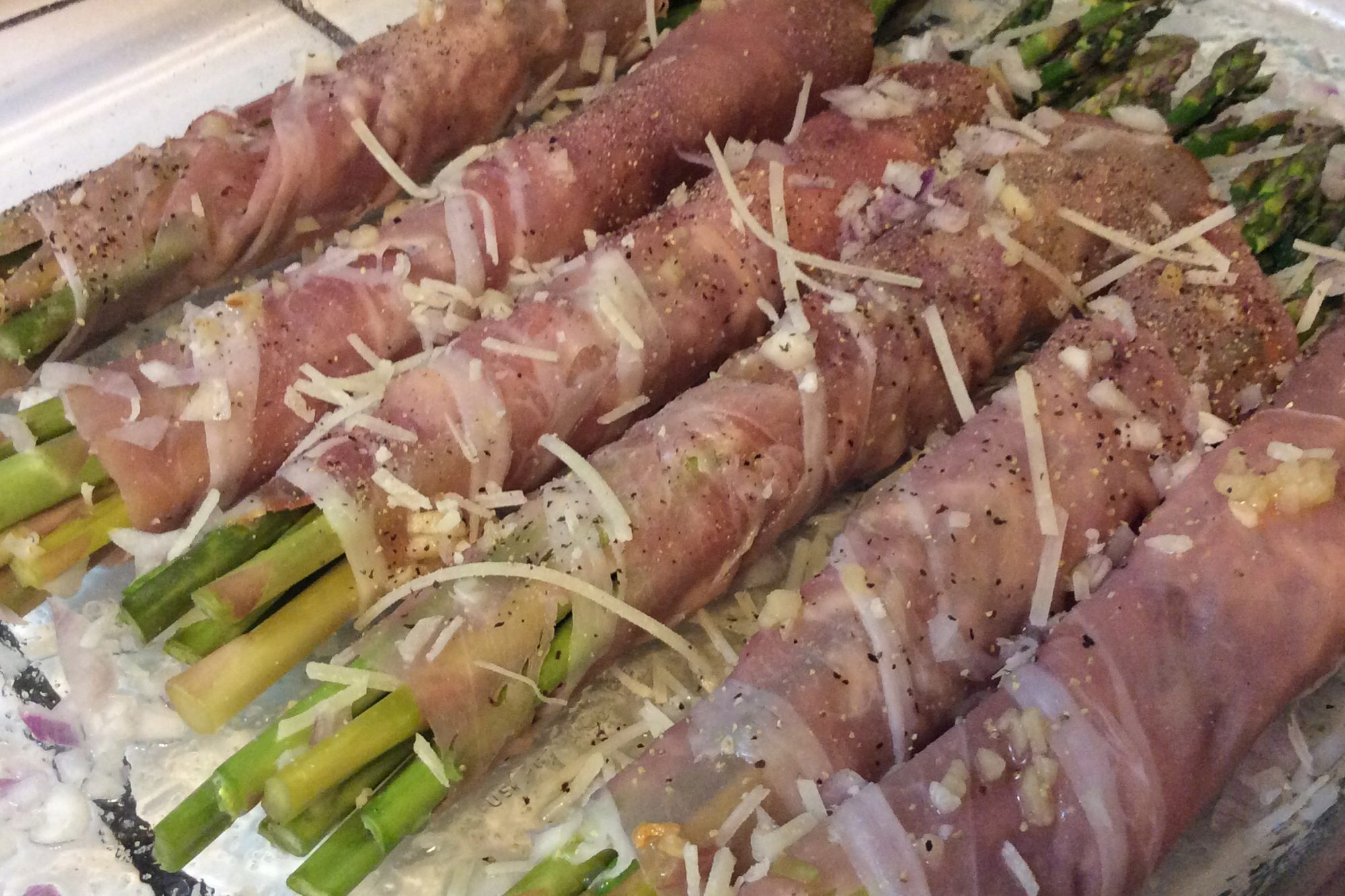 Cold Asparagus with Prociutto and Lemon
