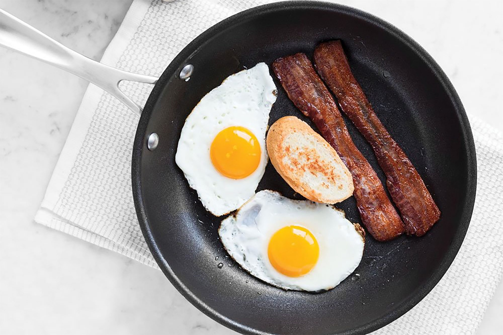 American Kitchen Cookware Skillet with Eggs and Bacon
