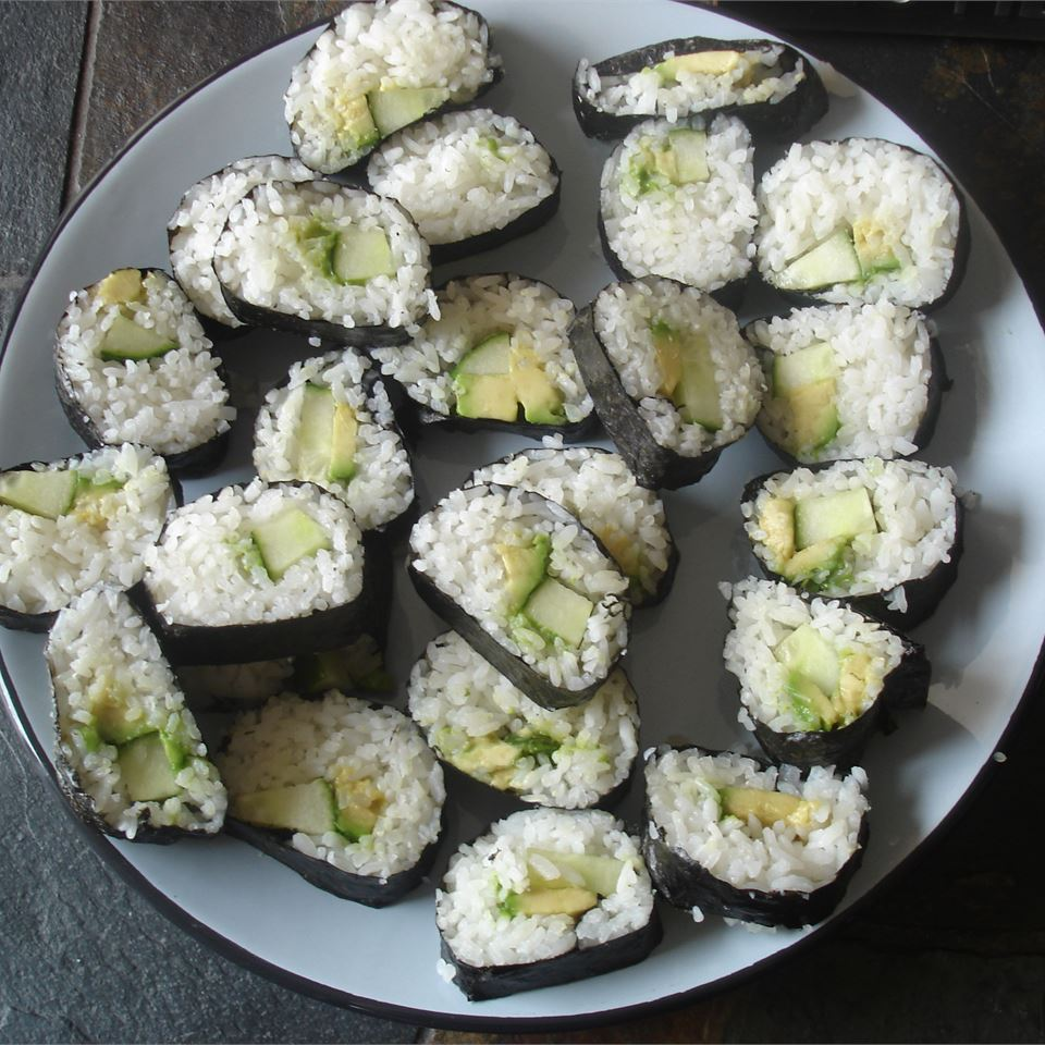 cucumber and avocado sushi rolls