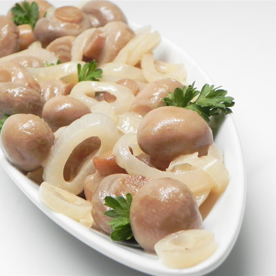 Easy Pickled Mushrooms
