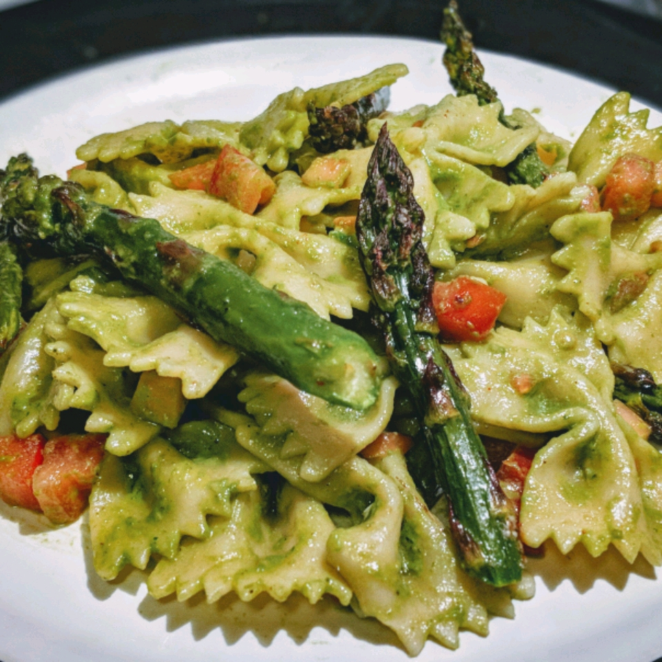 Italian Vegetable Fusilli with Basil Mint Pesto