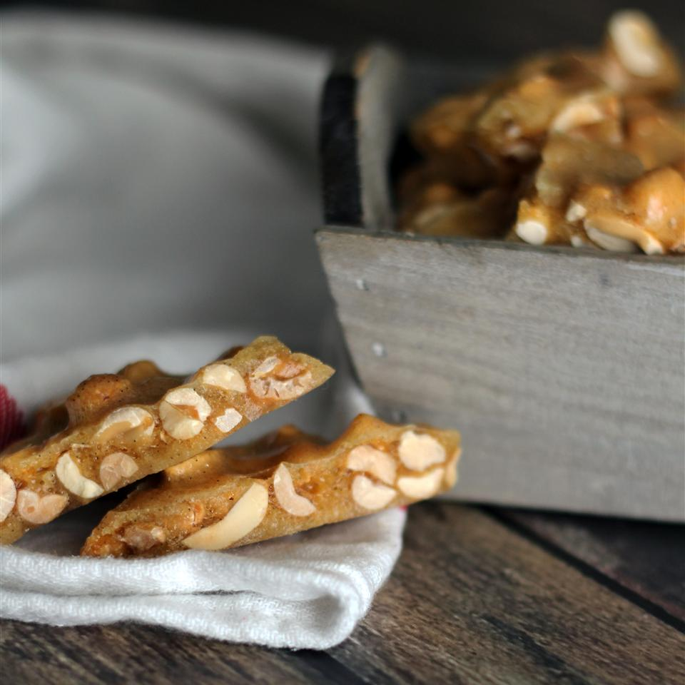 Microwave Oven Peanut Brittle
