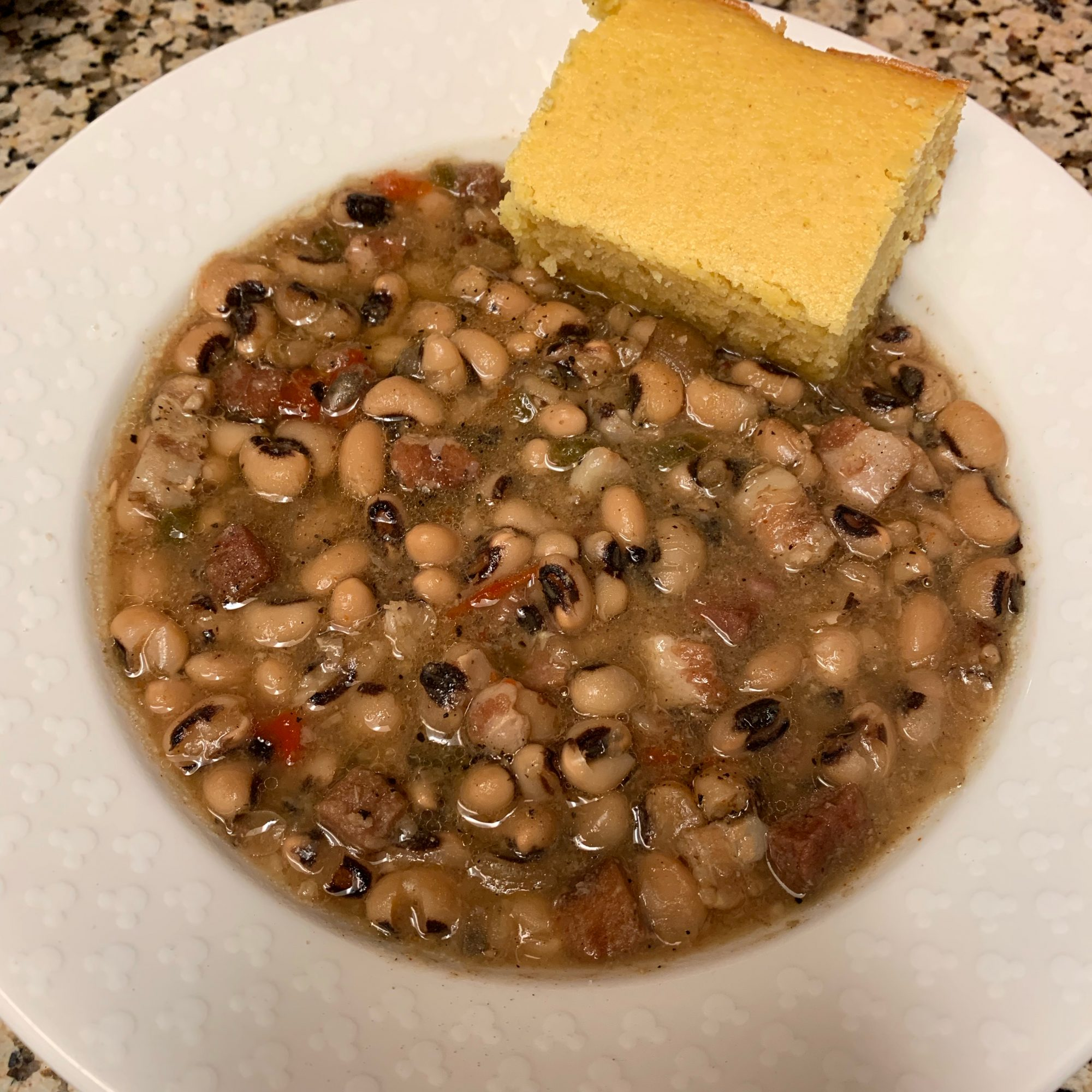 Slow Cooker Spicy Black-Eyed Peas