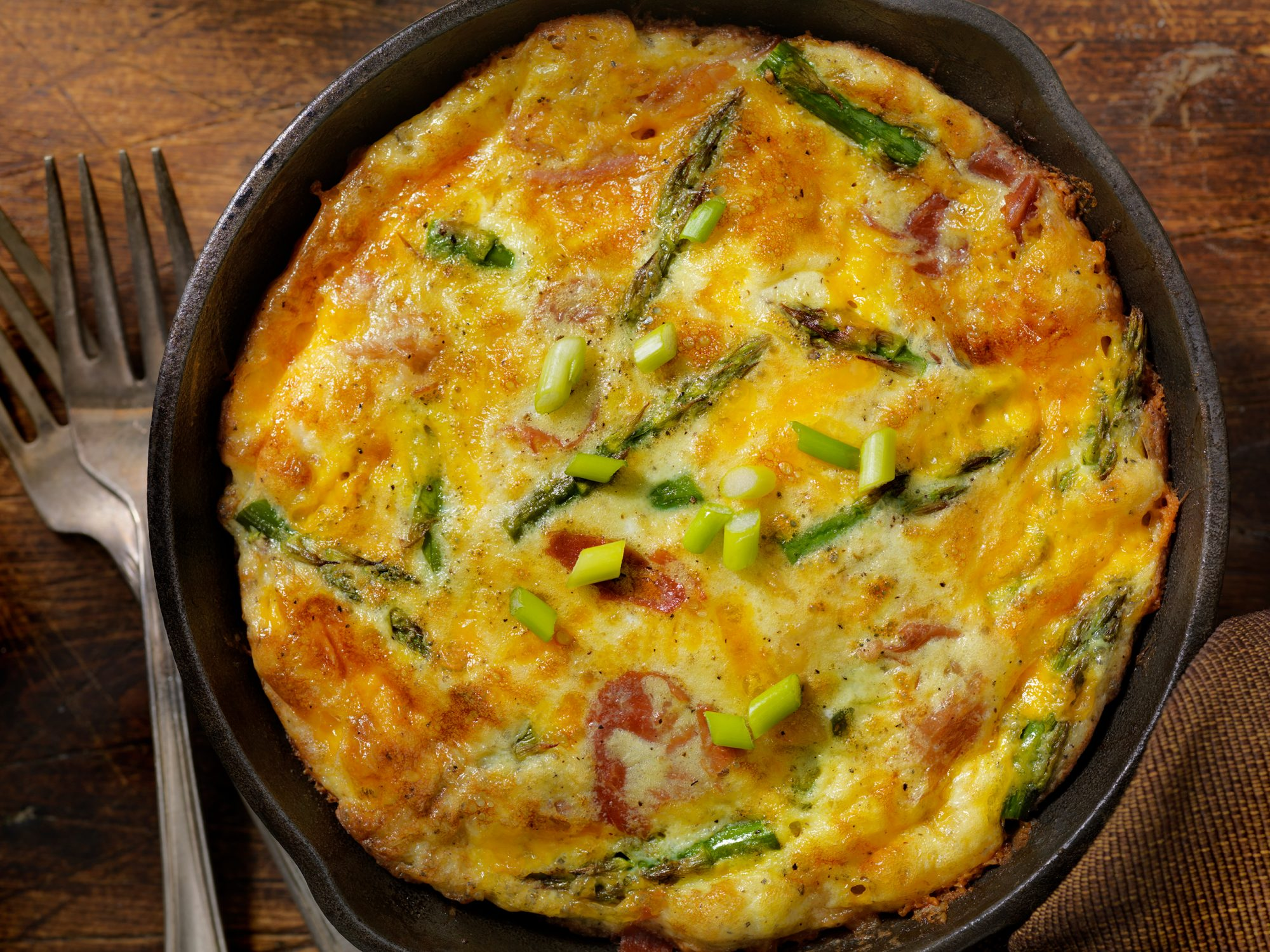 Cheese Frittata with Asparagus and Prosciutto