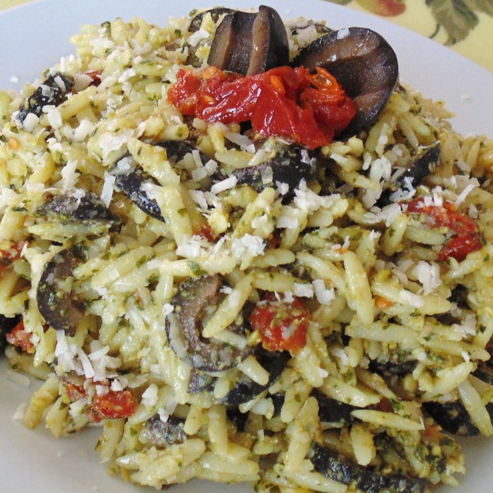 Orzo with Sun-Dried Tomatoes and Kalamata Olives