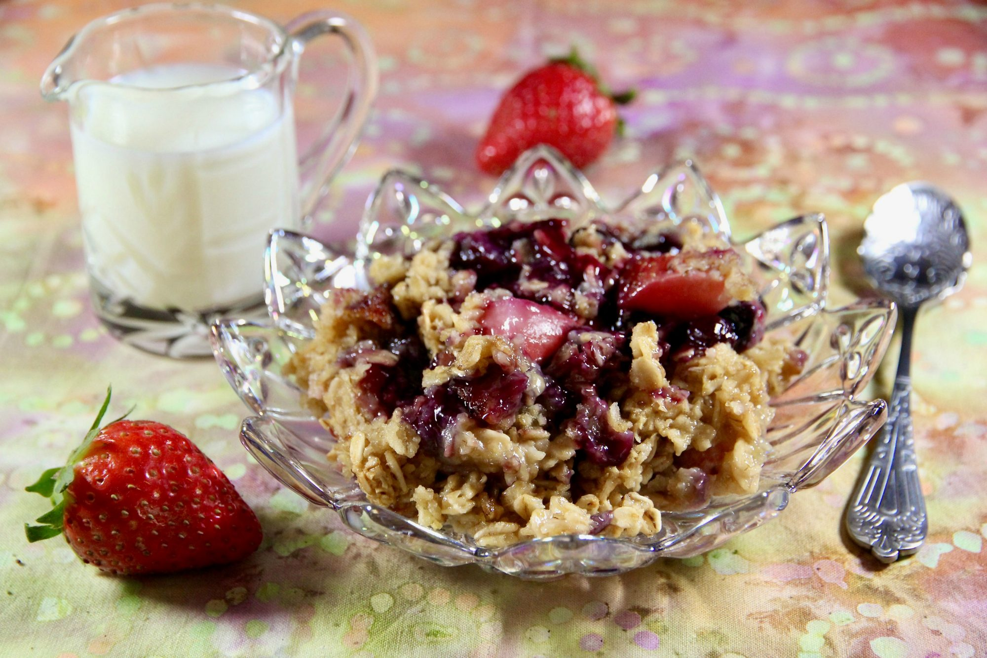 Amish Blackberry and Strawberry Baked Oatmeal