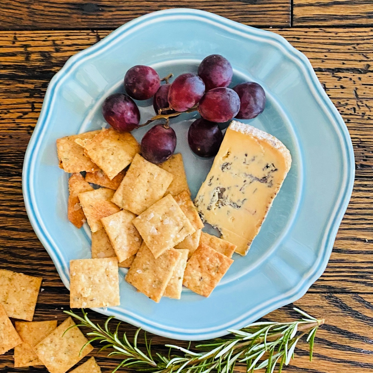 sourdough rosemary crackers
