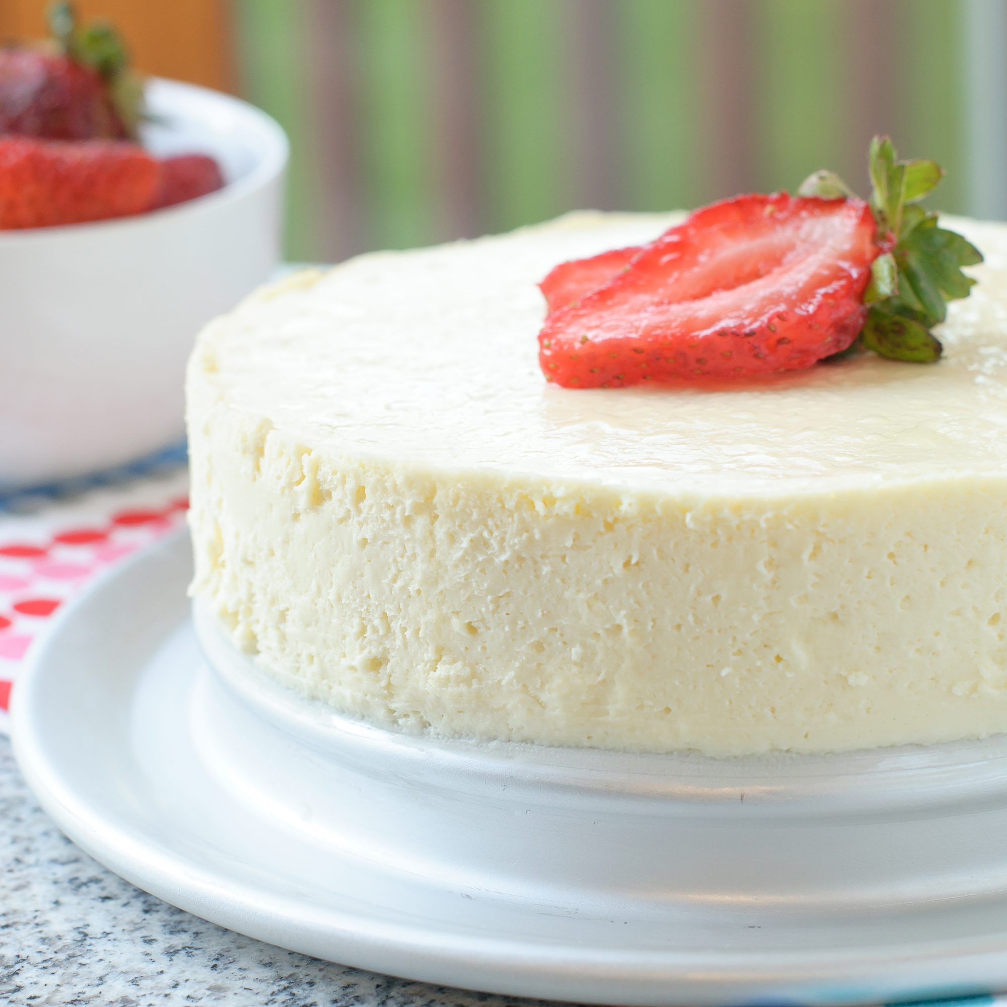 Low-Carb Sugar-Free Instant Pot Cheesecake