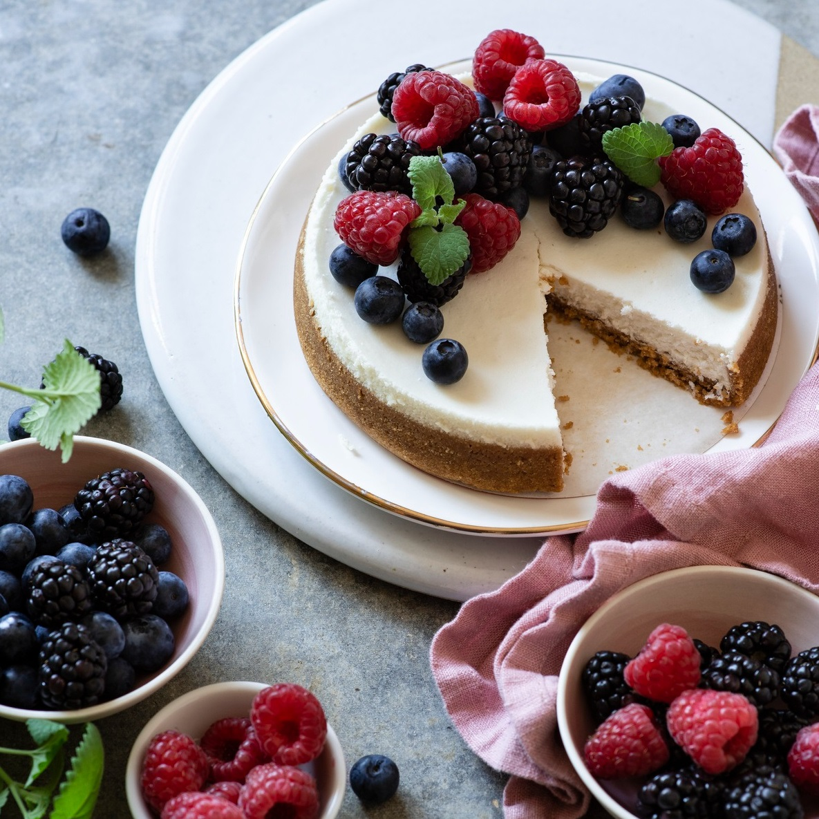 cheesecake topped with fresh berries