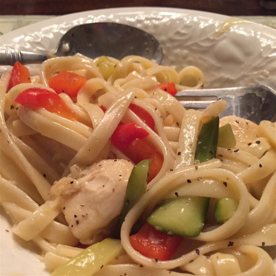 Lemon Pepepr Pasta with Chicken and Vegetables