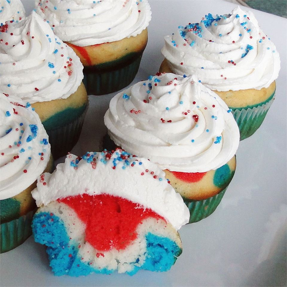 13 Cupcakes That Are Perfect for a Patriotic 4th of July Celebration