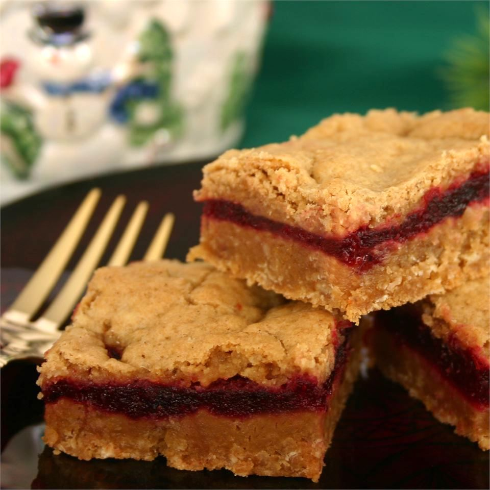 """Home baker Jeanette says the trick to getting these sweet/tart bars out of the pan is to """"let them cool for at least an hour."""" Once they are cooled, you can put them in an airtight container and keep the bars refrigerated for several days, or pop them in the deep freeze for several months. Simply bring them to room temperature about 30 minutes before serving and they are ready to go!"""