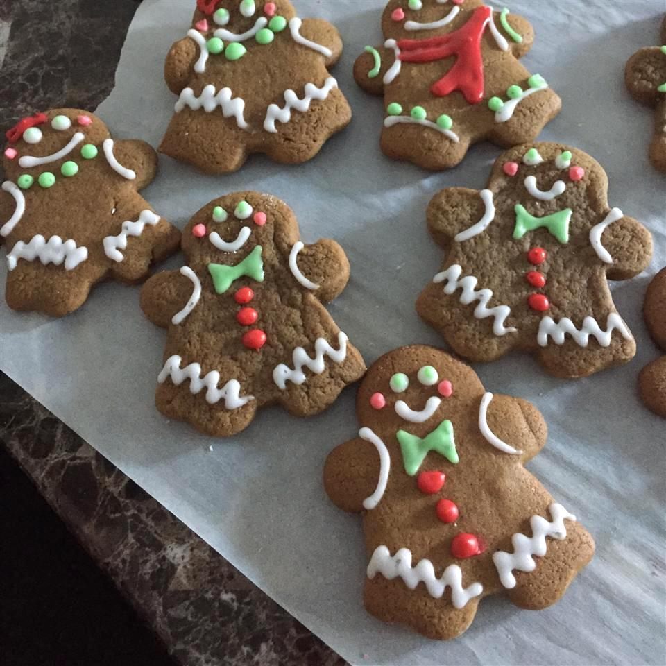 decorated gingerbread men