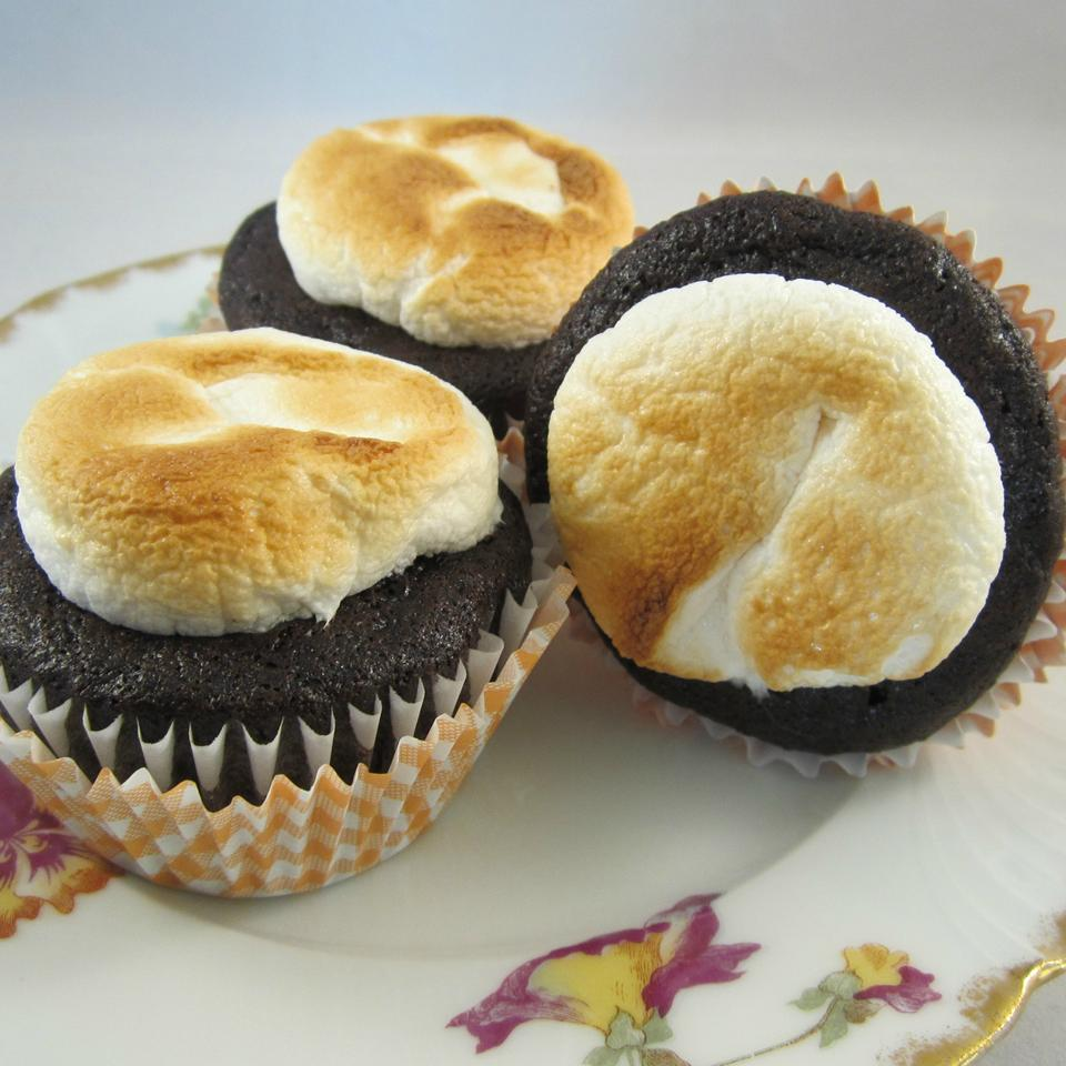 Toasted Marshmallow Cupcakes on a flower plate