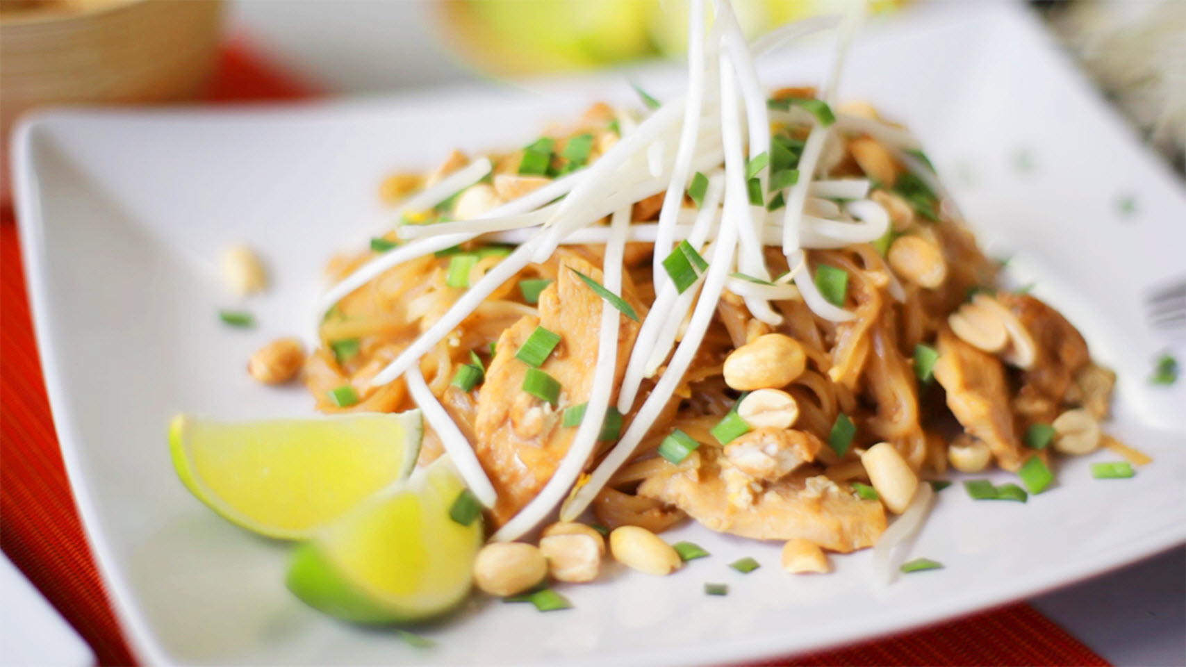 Classic Chicken Pad Thai