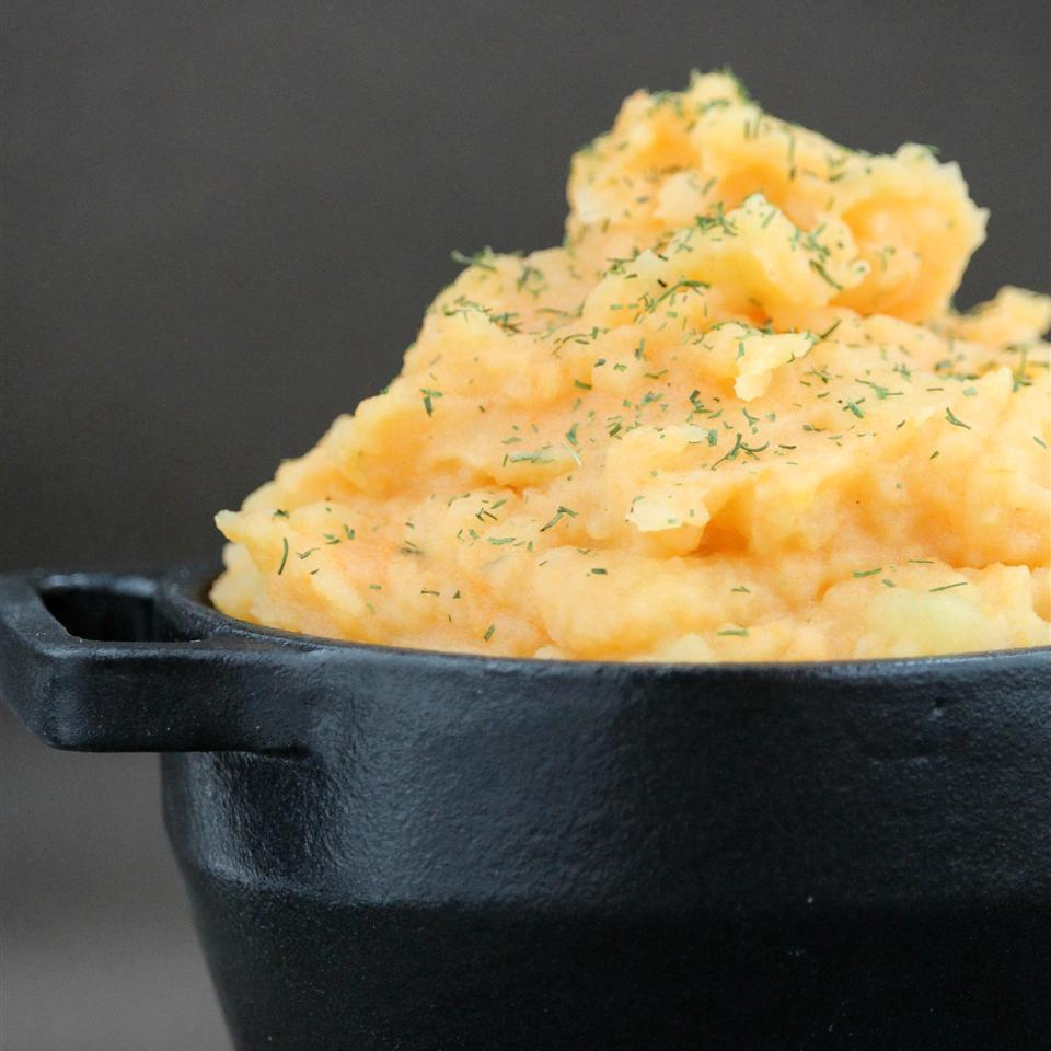 Fall-Infused Mashed Potatoes in a navy blue dish