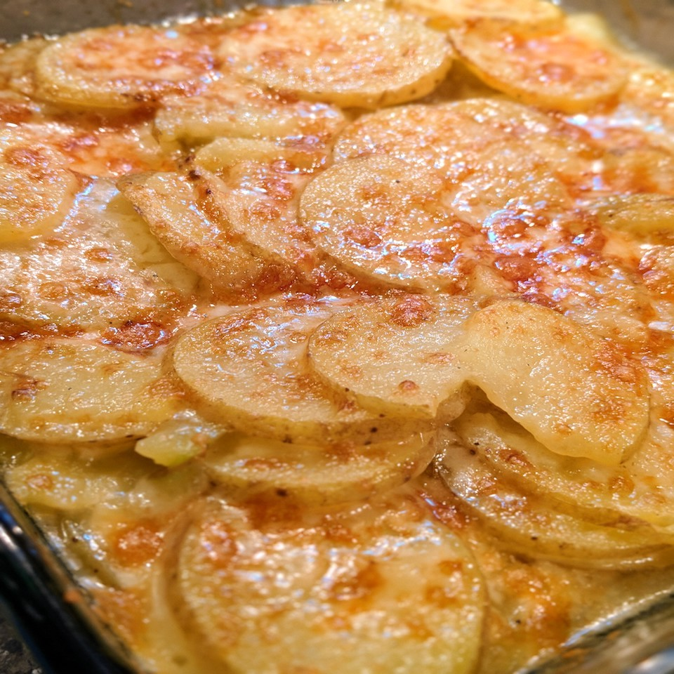 scalloped potatoes with crispy cheese topping