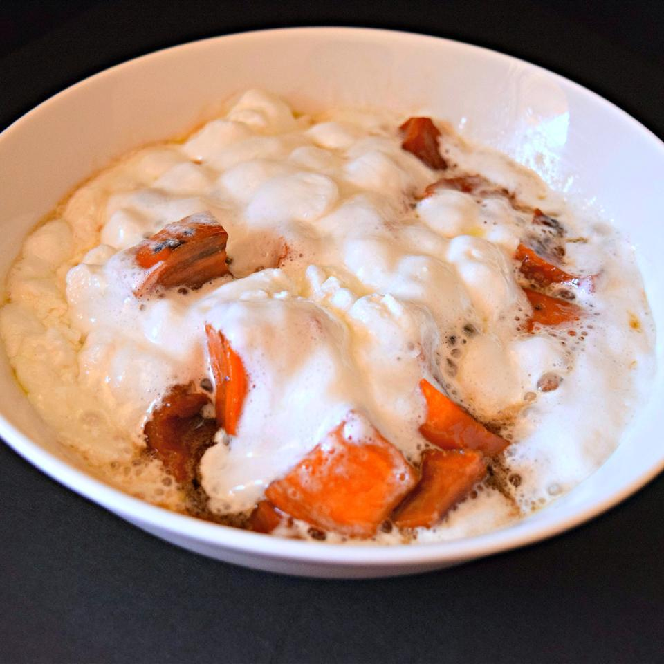 bowl of sweet potatoes with marshmallows