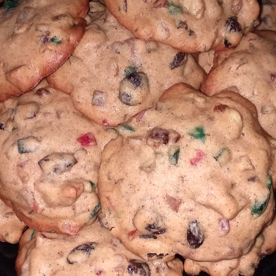 fruitcake cookies with dried fruit inside