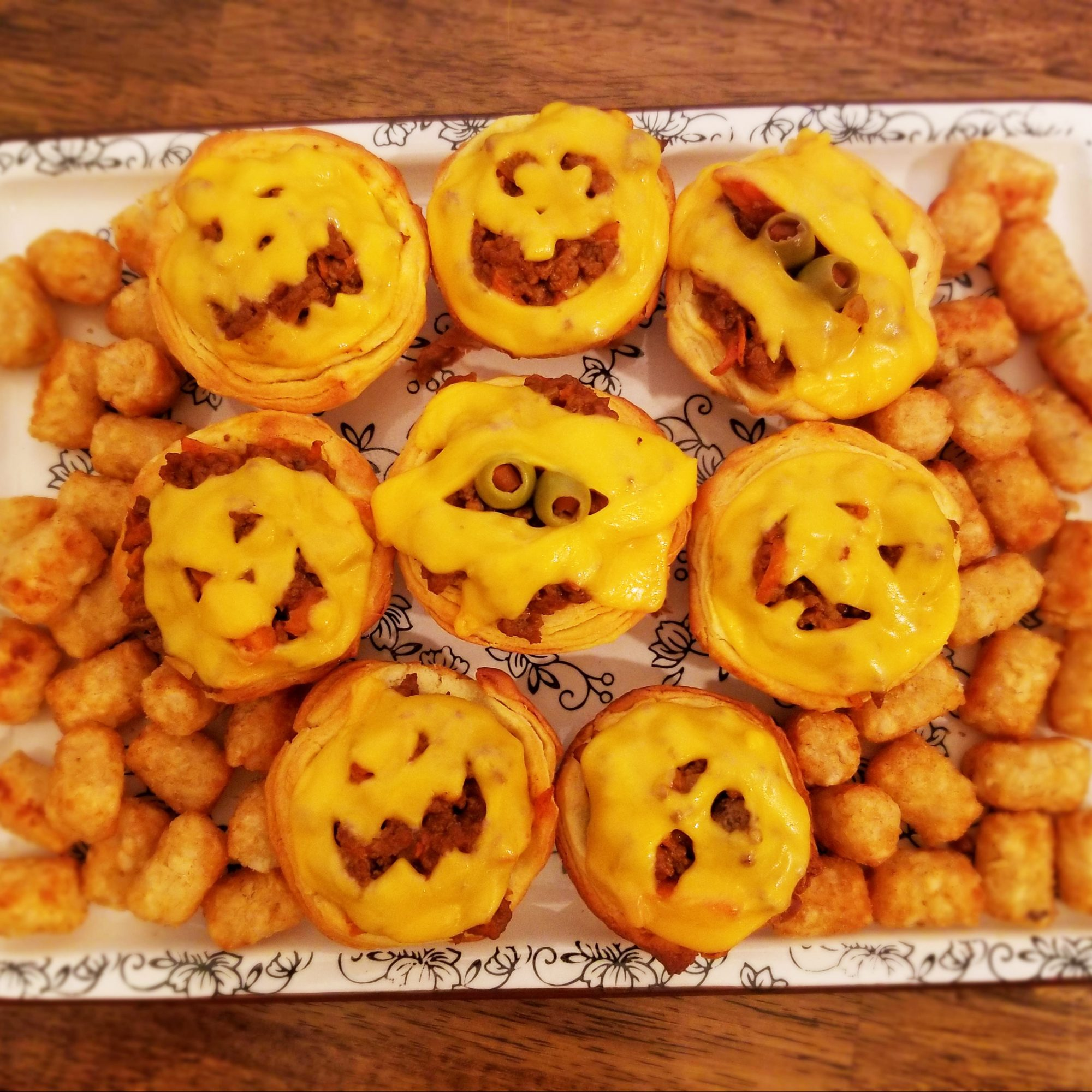 Beef pies with tater tots