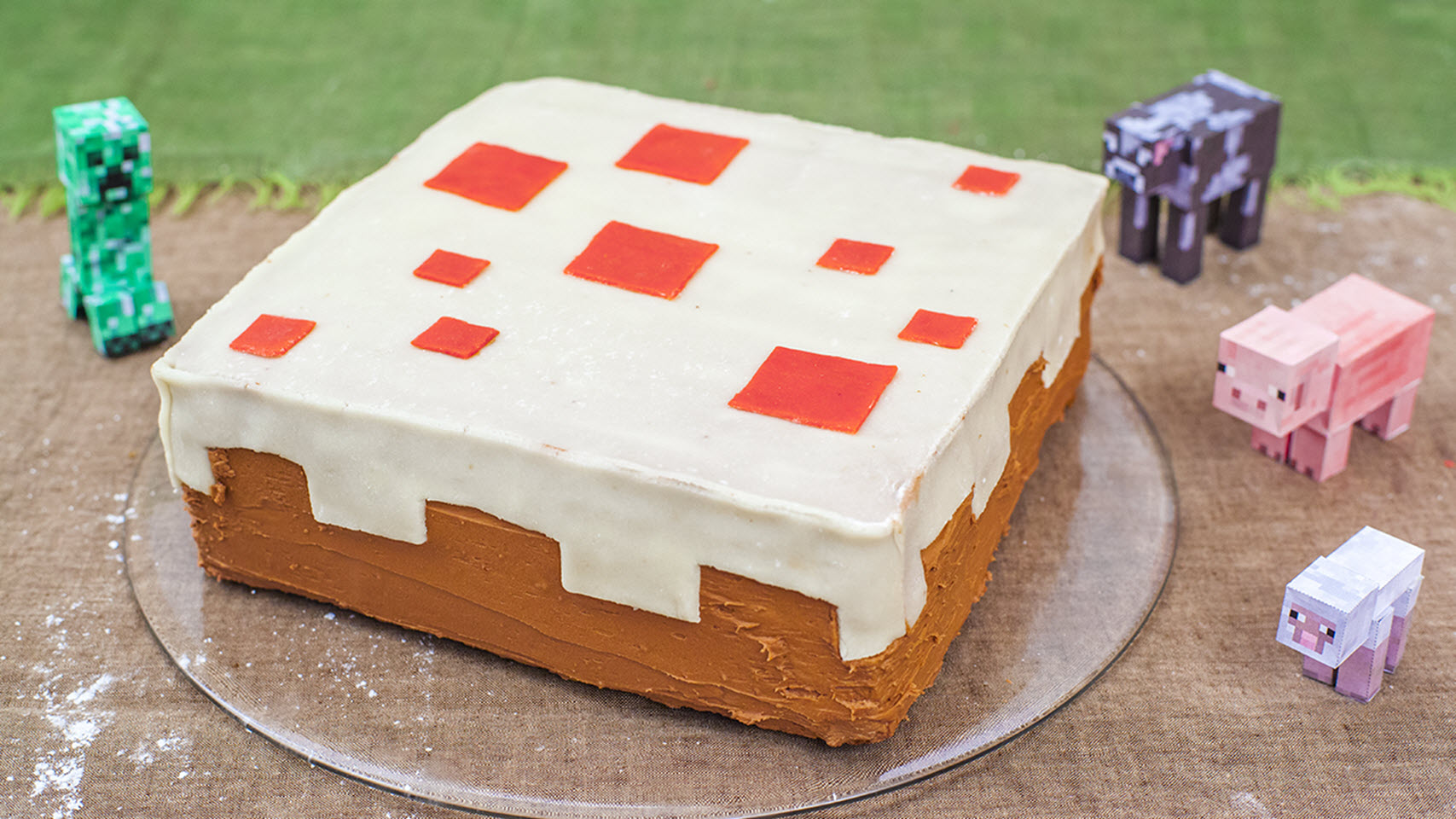 cake decorated as minecraft video game