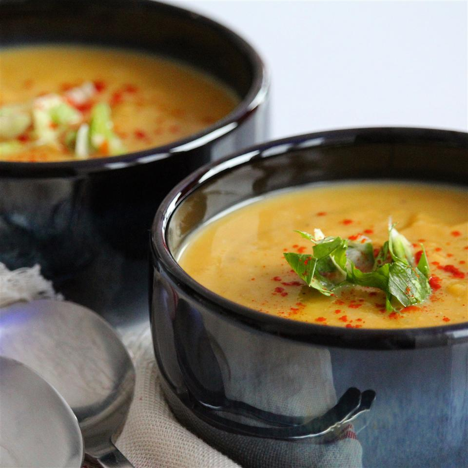 19 Hearty Meatless Soups and Stews To Keep You Warm This Winter