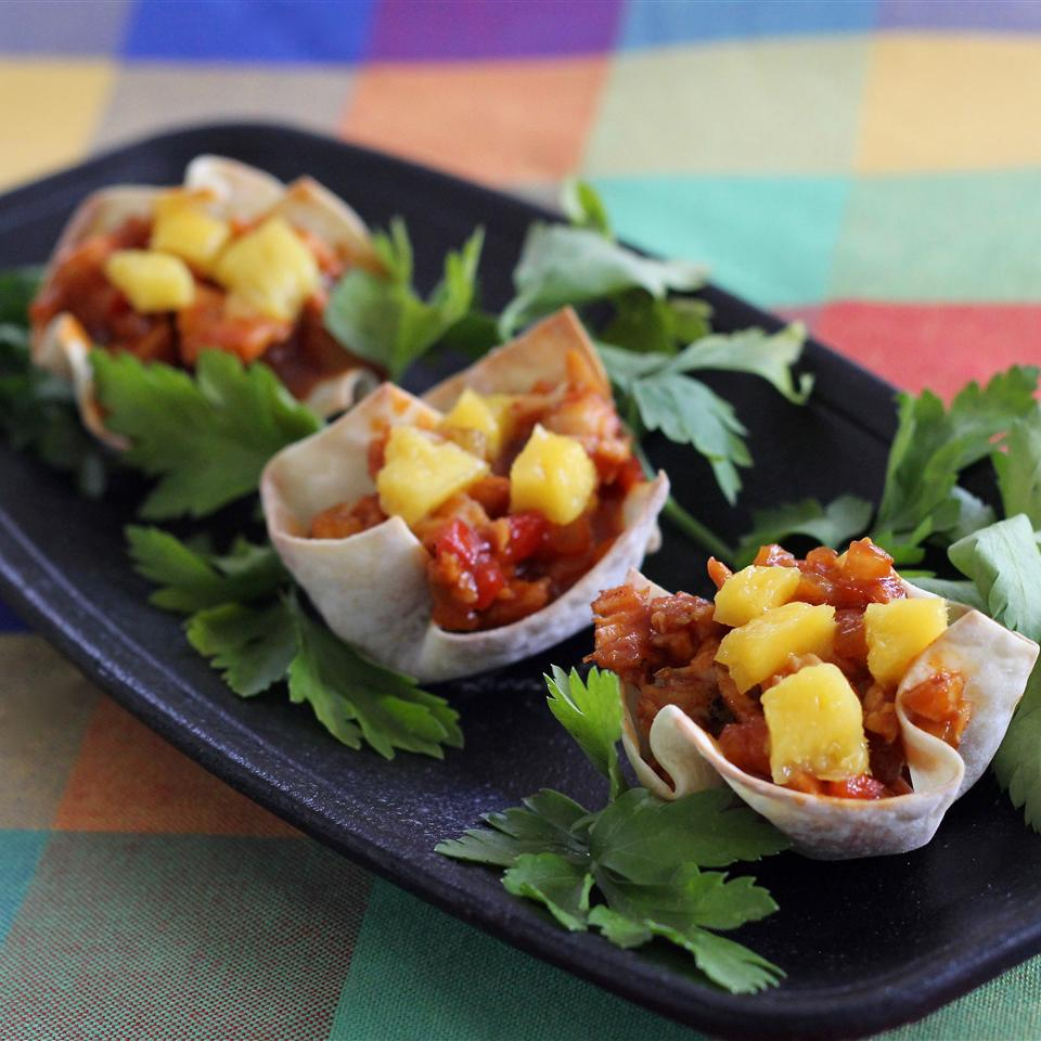 Barbeque turkey in cups with pineapple on top