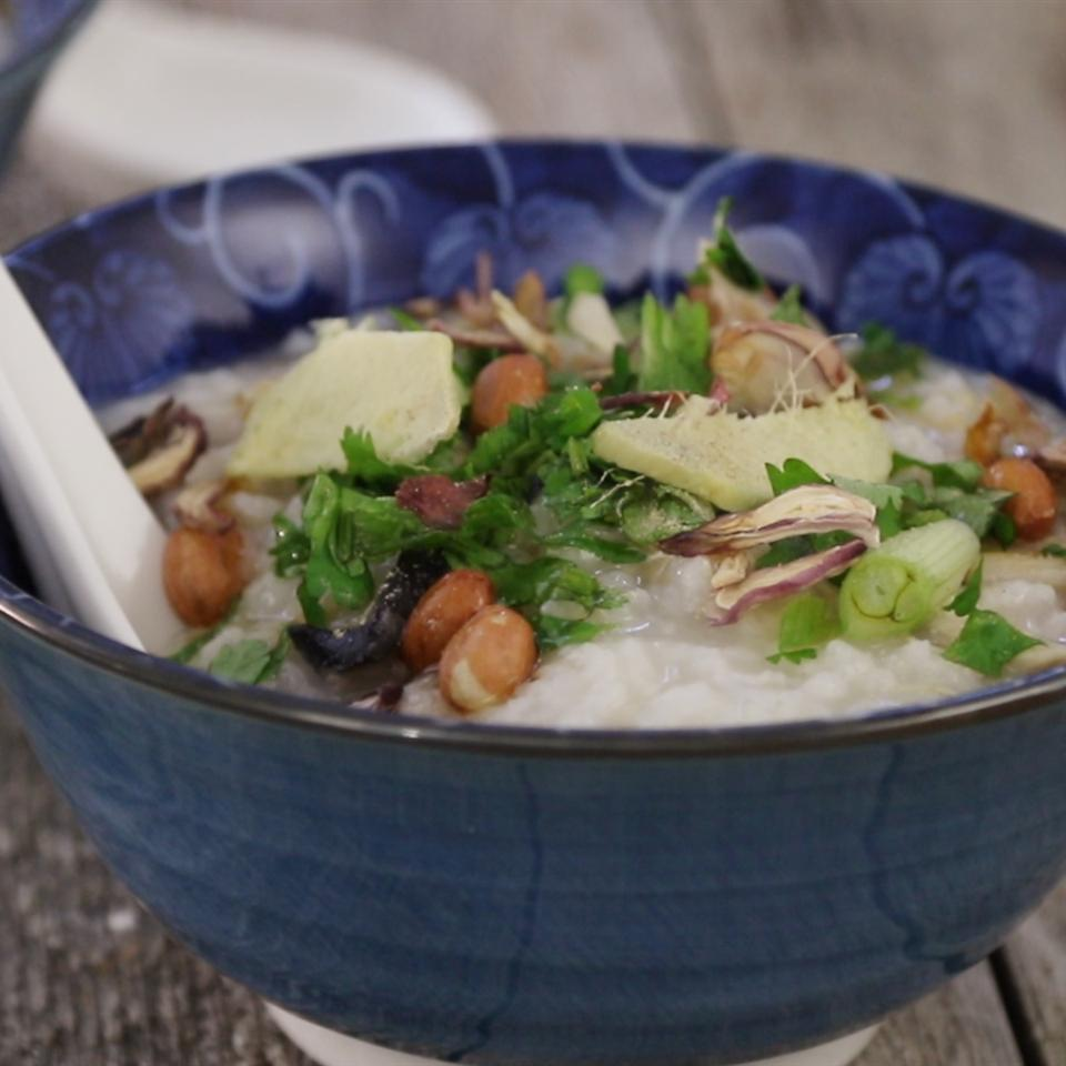 Thanksgiving Turkey Congee in a blue bowl