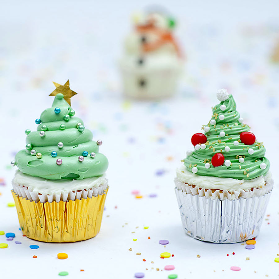 cupcakes with Christmas tree frosting