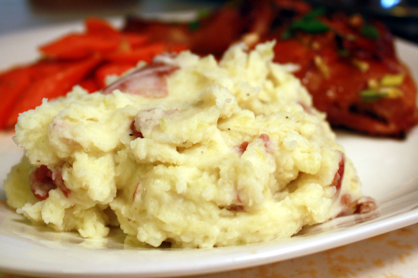 plate of mashed red potatoes