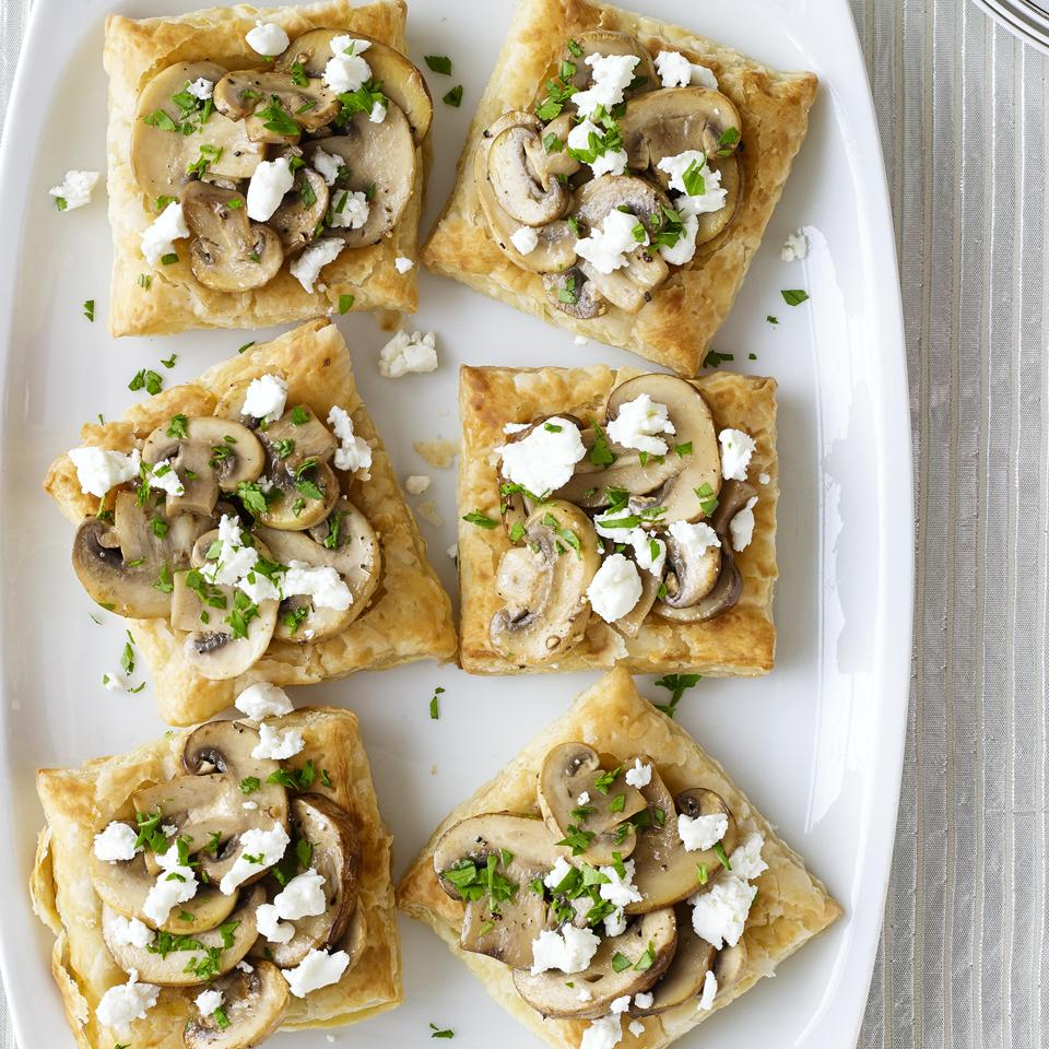 tarts with goat cheese and mushrooms