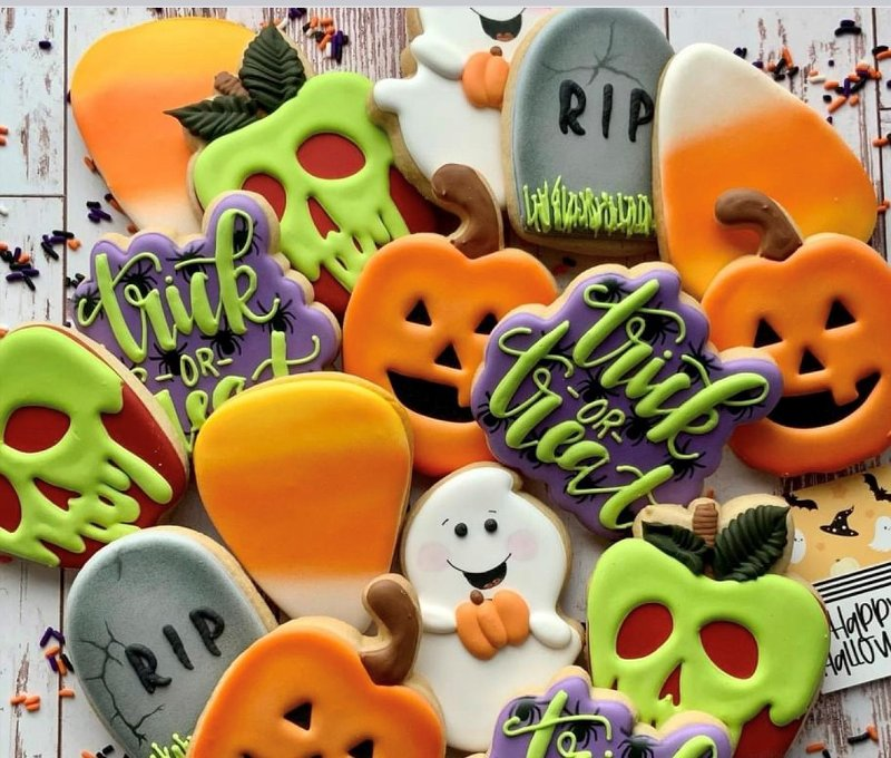 sugar cookies decorated for Halloween