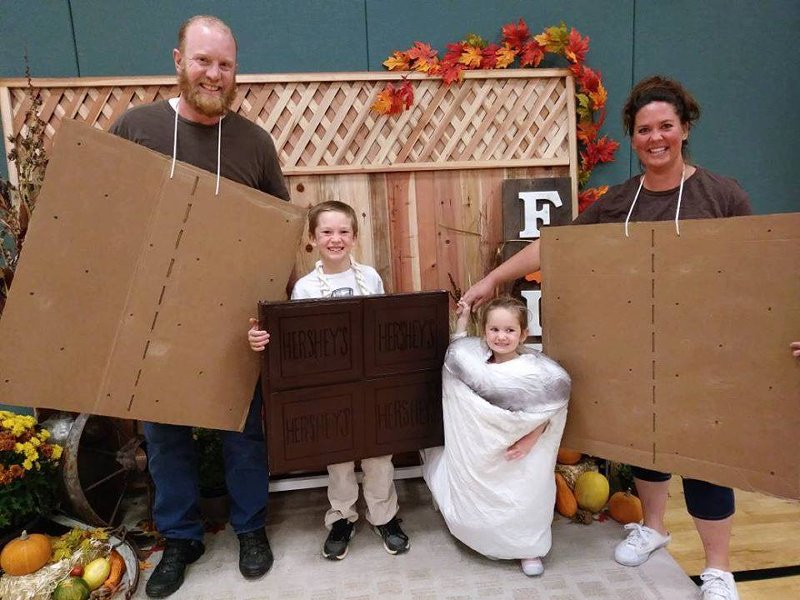 family dressed as s'mores ingredients
