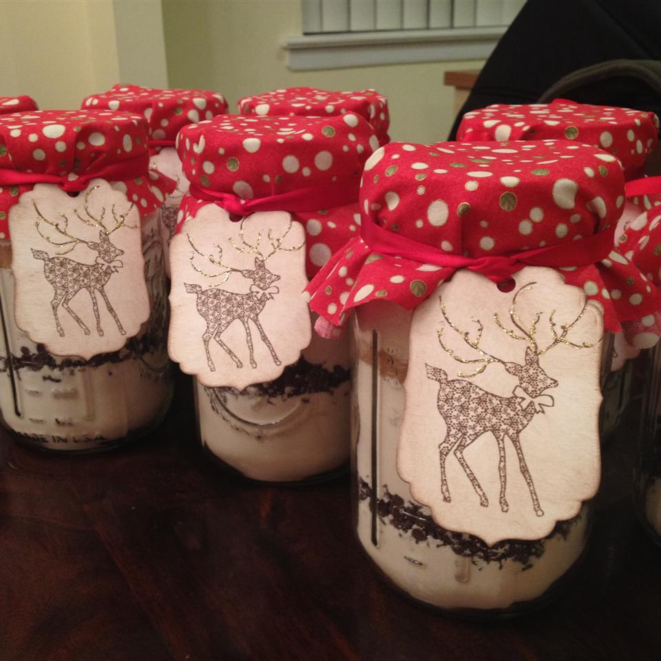 Julia's Best Ever Chocolate Chip Cookies In A Jar with deer gift tags