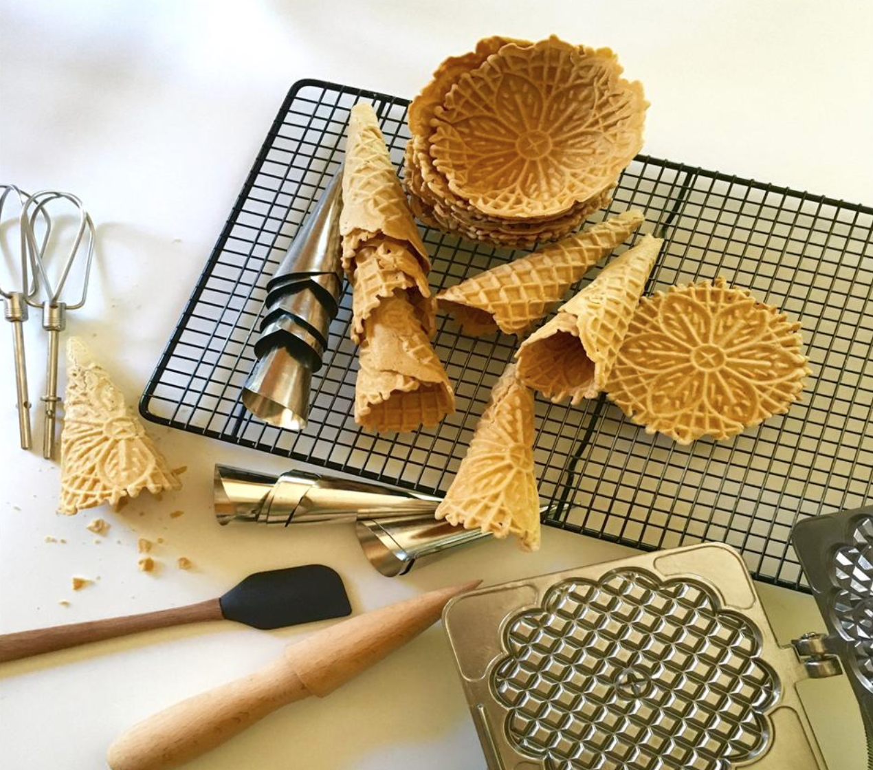 If you've always wanted to try your hand at pizzelle-making, but you follow a gluten-free diet, this paleo recipe was made for you.