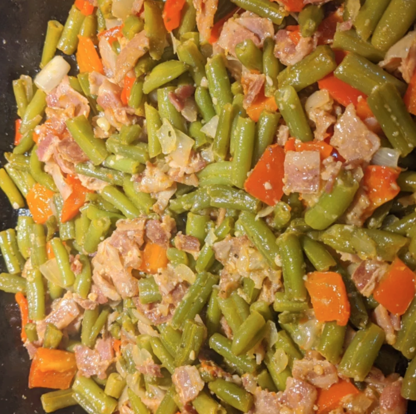 Creole Green Beans with ham and peppers