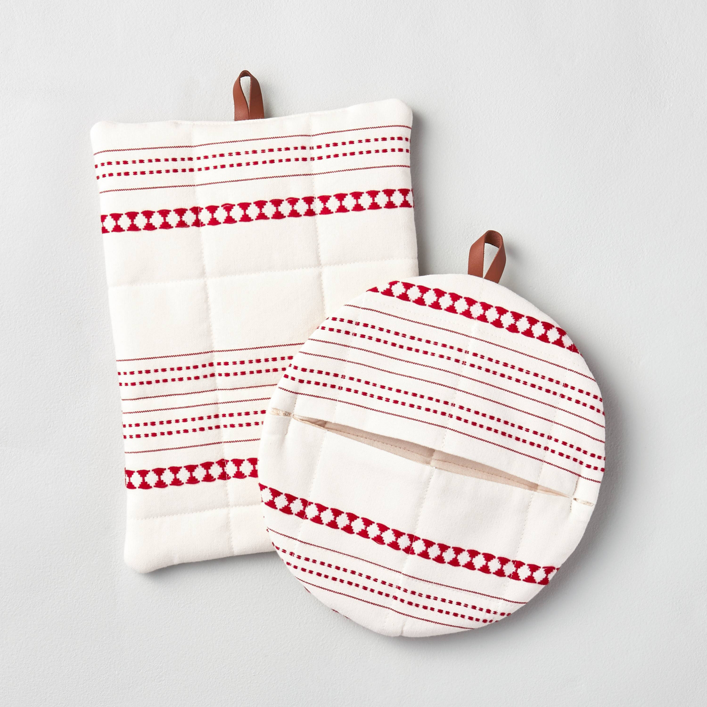 Red and white geometric pot holder set