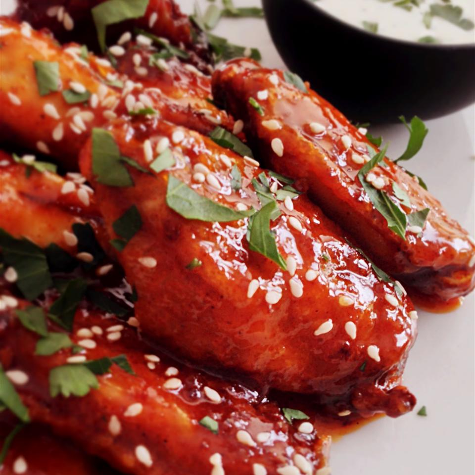 Wings in brown sauce with sesame seeds