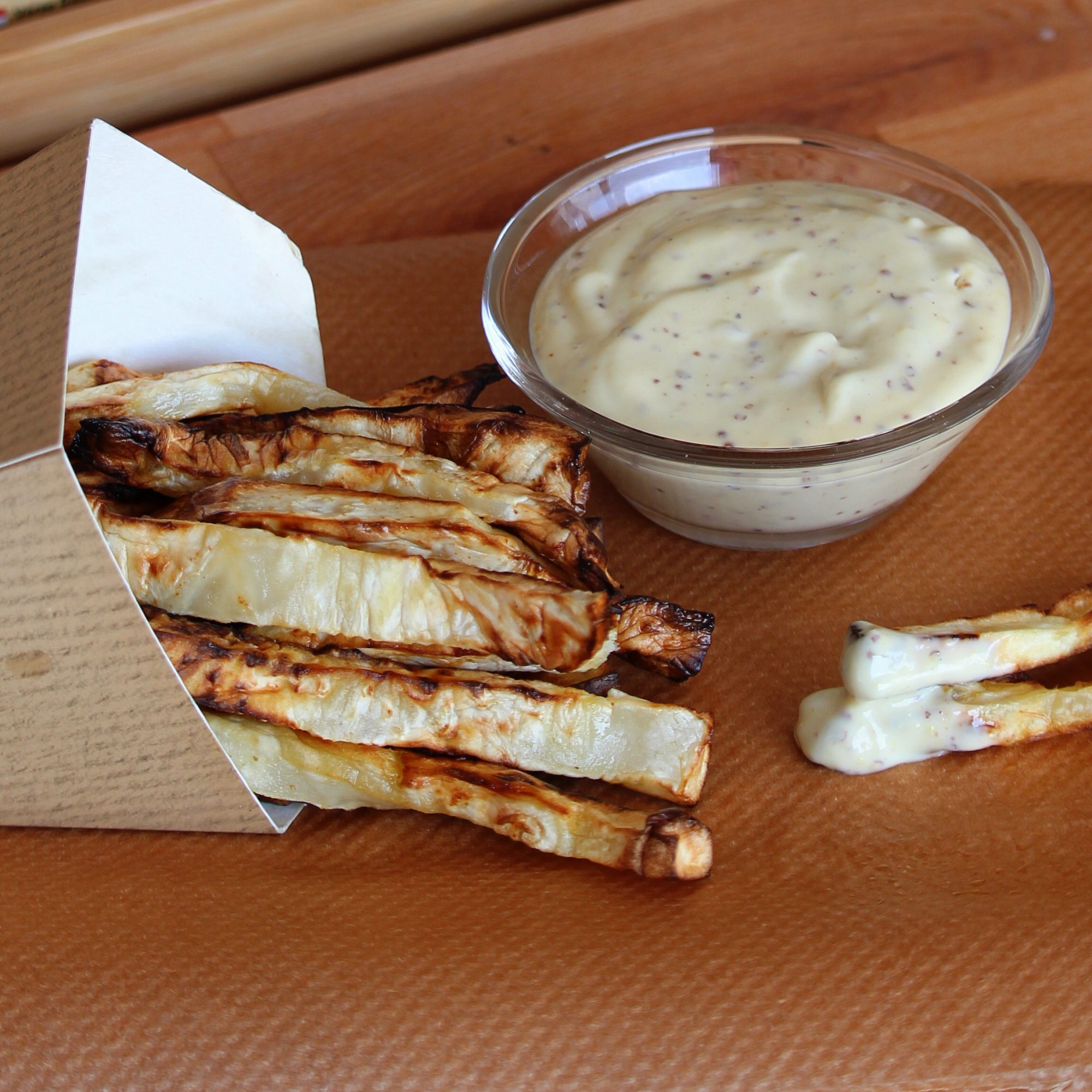 Fried celery root with dipping sauce