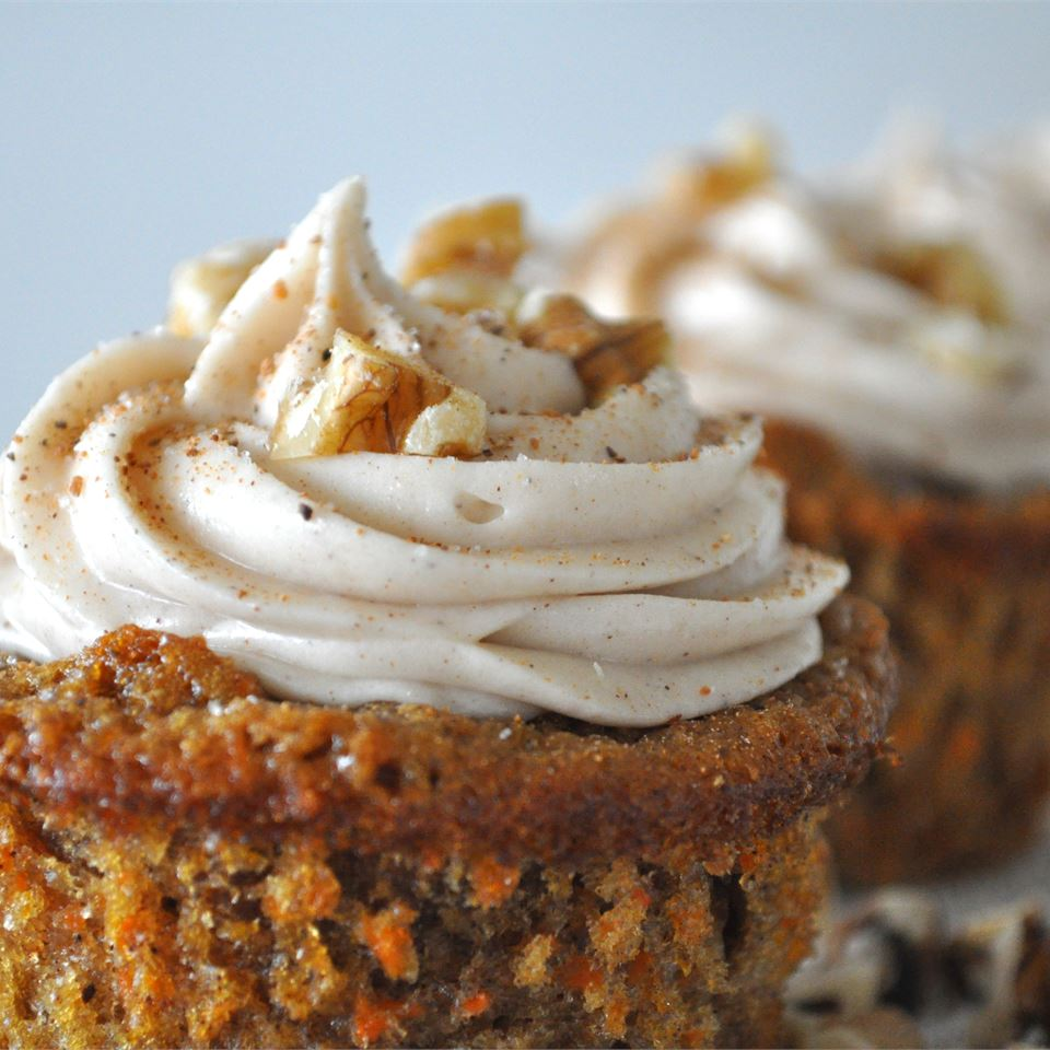 Maple Cream Cheese Frosting on cupcakes