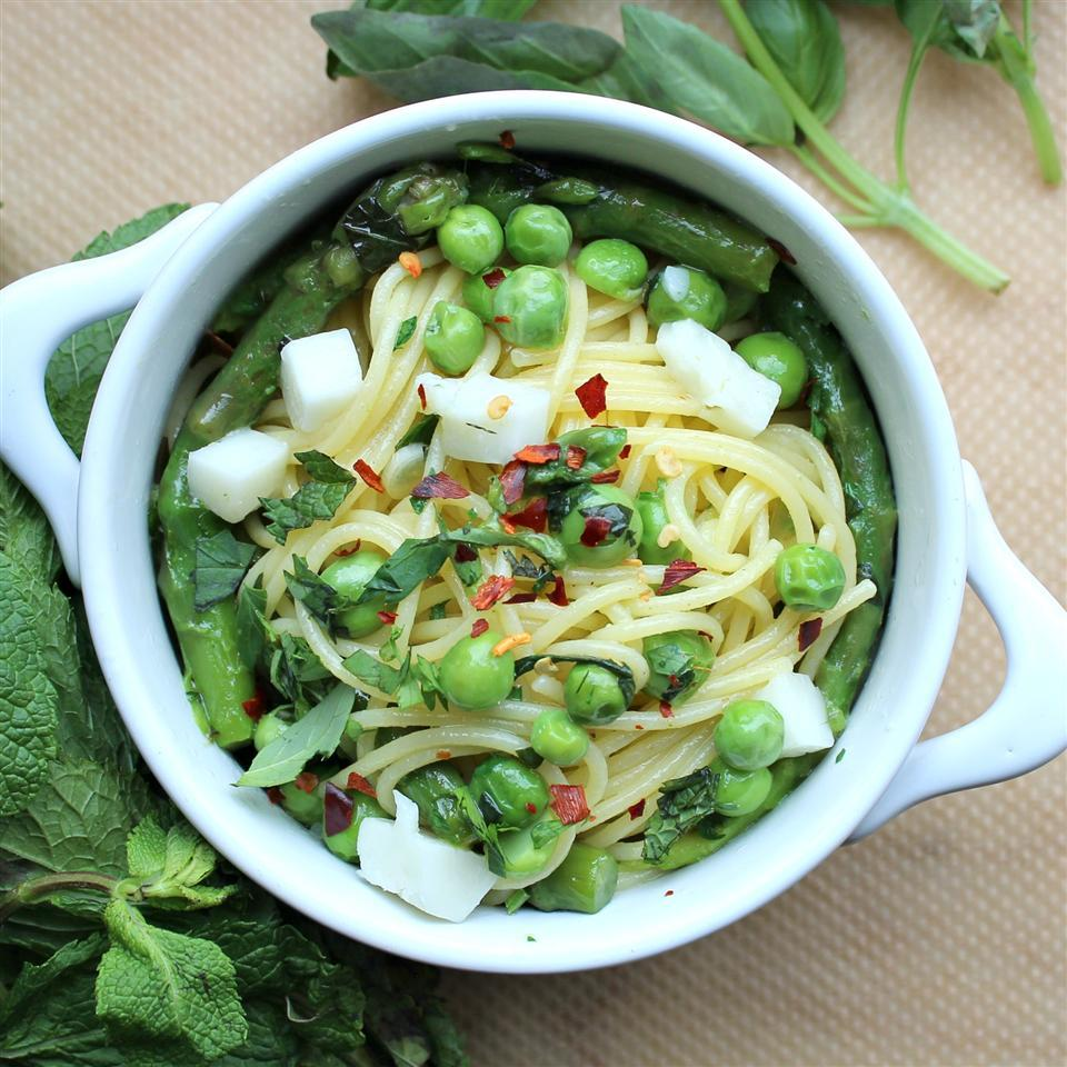 pasta with asparagus and peas
