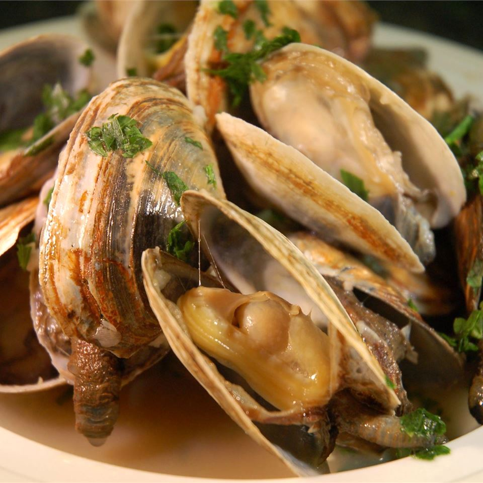 clams in sauce in a bowl