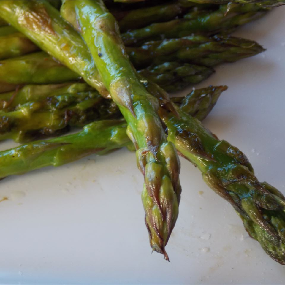 grilled asparagus up close